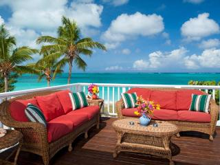 Windrose Estate on Grace Bay beach: sleeps 15!, Providenciales