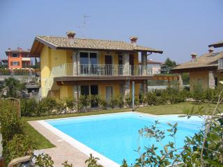 Villa Moniga, Moniga del Garda