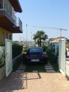 Private Parking Villa Moniga