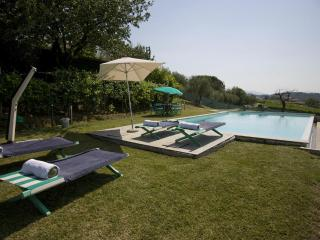 LOVELY BARN UP TO 9 WITH WIFI, AC AND PRIVATE POOL, Lucca