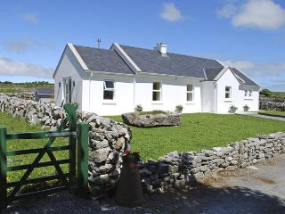 DOLMEN COTTAGE, pet friendly, country holiday cottage, with a garden in Kilfenor