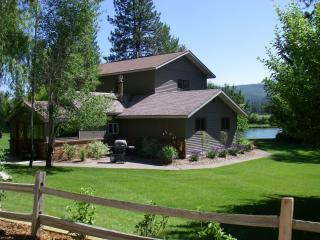 Kootenai River House