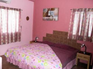 Villa Pink Room