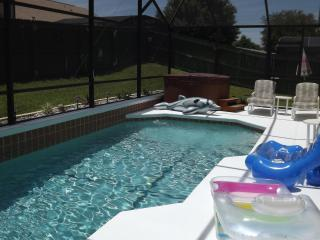 Totally Private Pool and Hot tub relax and enjoy, Orlando