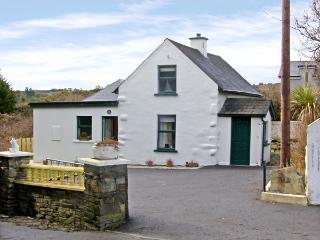 STATION COTTAGE, family friendly, with a garden in Ballydehob, County Cork, Ref 3890