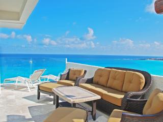 by Tim M - Penthouse #371 - Direct Ocean Big 4BR with Awesome Views!!!