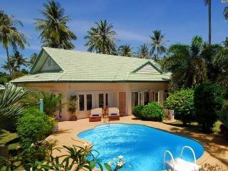 2 Bedroomed Luxury Beach Villa, Laem Set