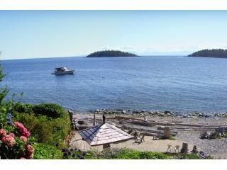 Absolute Heaven Oceanfront Suites, Sechelt