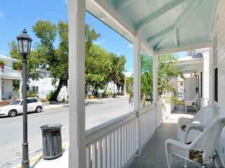 Cockadoodle Cottage ~ Weekly Rental, Key West