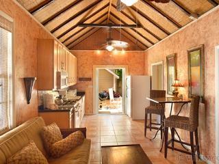 Secret Courtyard Cottage ~ Weekly Rental, Key West