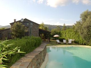Rural Italian Villa with Private Swimming Pool - Villa Cilento