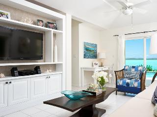 Bright Idea - Chalk Sound waterfront rental