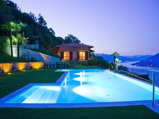 Superb villa with pool and sweeping lake views!