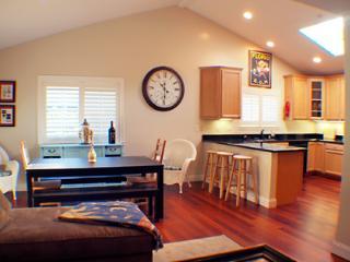 Gillaroo House, High Ceilings, Modern Home, WIFI