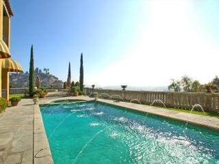 The Villa Sophia - Romantic Honeymoon Spa Retreat on Central Los Angeles Hilltop