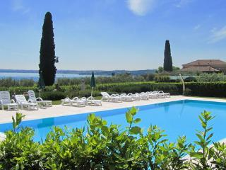 CorteFerrari:2Bdr. Standard,pool, lakeview,balcony, Moniga del Garda