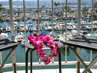 Ilikai Marina 780 Ocean Front Corner 2 X the View!, Honolulu