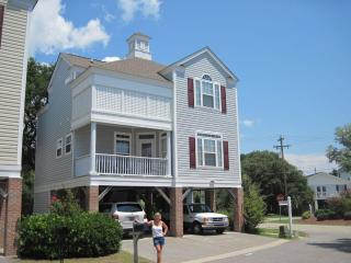4 BR, 4BA ONE BLOCK FROM OCEAN! AWARD WINNER, Surfside Beach