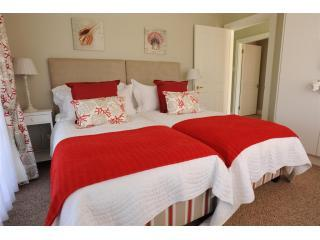 Oyster Lodge Bedroom 2