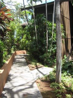 Pathway to your Maui condo. Your condo is at far end nearest the ocean.