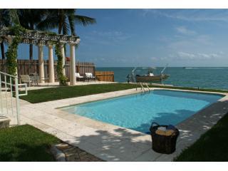 Amazing Ocean Front villa Otro Mundo Key Biscayne