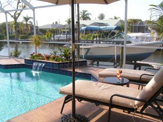 AWARDED TOP RENTAL  2011-2012-2013 BY FLIPKEY.COM, Cape Coral