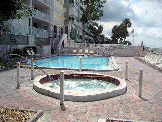 Hot Tube - Pool