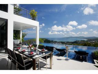 Ultra luxury Villa Zamani  w seaview Surin Beach, Phuket