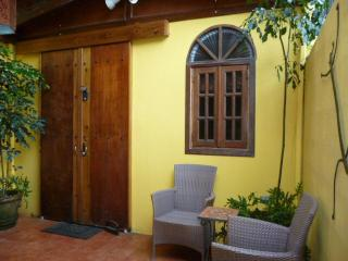 1st Floor Casita: Historic House: SJ Arts District, San Juan
