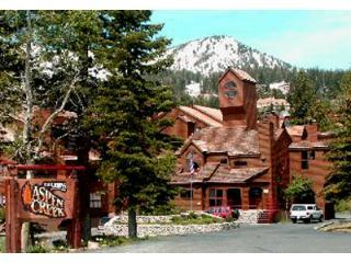 """The Treehouse"" Luxury View Condo, Mammoth Lakes"