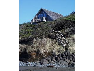 Oregon Coast Oceanfront  Windside Cottage Newport
