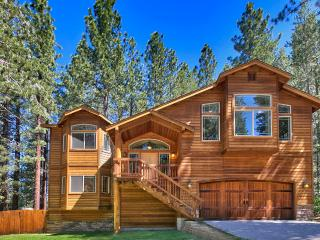 New Luxury Home  - 3 Hot Tubs, 4 HDTVs, Wifi, BBQ, South Lake Tahoe