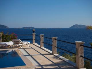 Villa Escalade-Coastfront-Private Pool-Sea Access, Kas