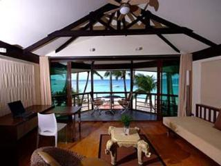 Beachfront 3-Bedroom Villa with Staff & Breakfast