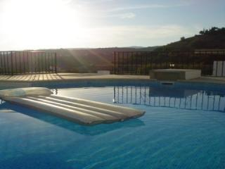Quiet holiday apartment by old town. 2 Pools. Free Wifi. Stunning Terrace.