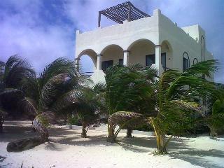Casa Azucar, Mahahual