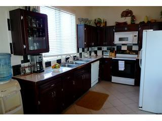 Fully equipped 2nd floor Kitchen with filtered ice maker and drinking water