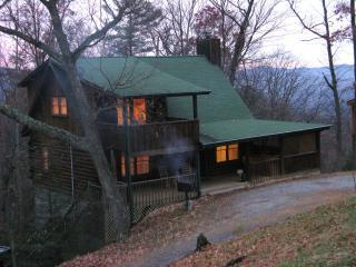 Fall Getaway in Smokies Oct 30 & 31, Hot Tub and Cozy Fireplace