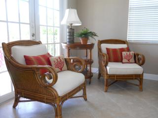 A TRUE Beauty with Great Gulf Views! Hi Speed Wifi and Heated Pool!