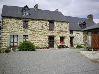 Farmhouse B&B  Close to  The Mont St Michel, Mont-St-Michel