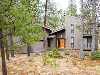 Ski Specials Sunriver Home with Hot Tub and Flat Screen TV On Golf Course