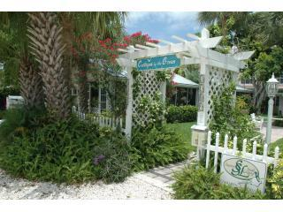 Cottages by the Ocean - Charm, Comfort and Value!, Pompano Beach