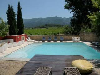 Holiday rental French farmhouses / Country houses Luberon (Vaucluse), 600 m², 6 400 €, Oppede