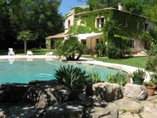 Holiday rental Villas Les Milles - Aix en Provence (Bouches-du-Rhône), 300 m², 4 800 €, Tignes