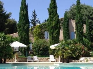 Aix En Provence Charming Farmhouse Holiday Rental with a Pool, Aix-en-Provence