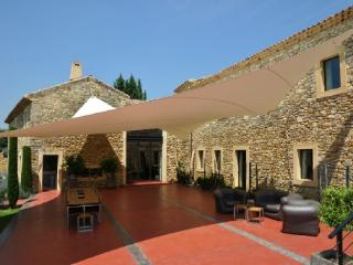 Holiday rental French farmhouses / Country houses Entre Uzès et Avignon (Gard), 700 m², 13 500 €
