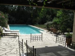 Holiday rental Villas Saint Remy De Provence (Bouches-du-Rhone), 350 m2, 6 500 €