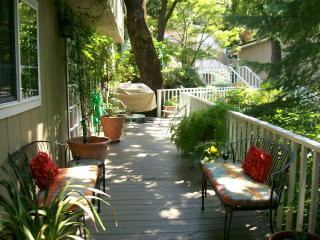 BJ's Nest Garden Studio,w/Hot Tub. 20% August Disc, Napa