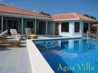 Agua Villa House Maya Beach; Private Pool Too!
