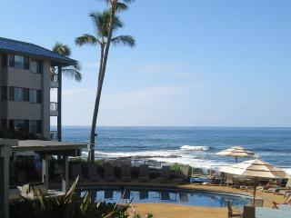 Beautiful Condo Just Steps from Rare Sandy Beach, Kailua-Kona